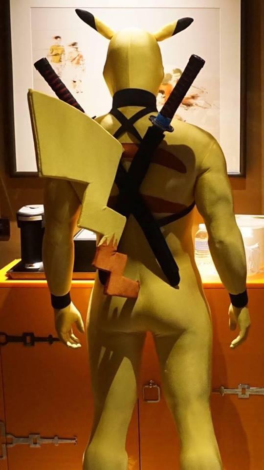 pikachu-deadpool-cosplay-2