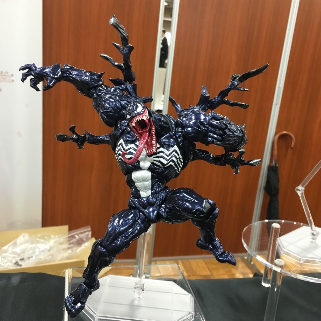 revoltech-venom-001