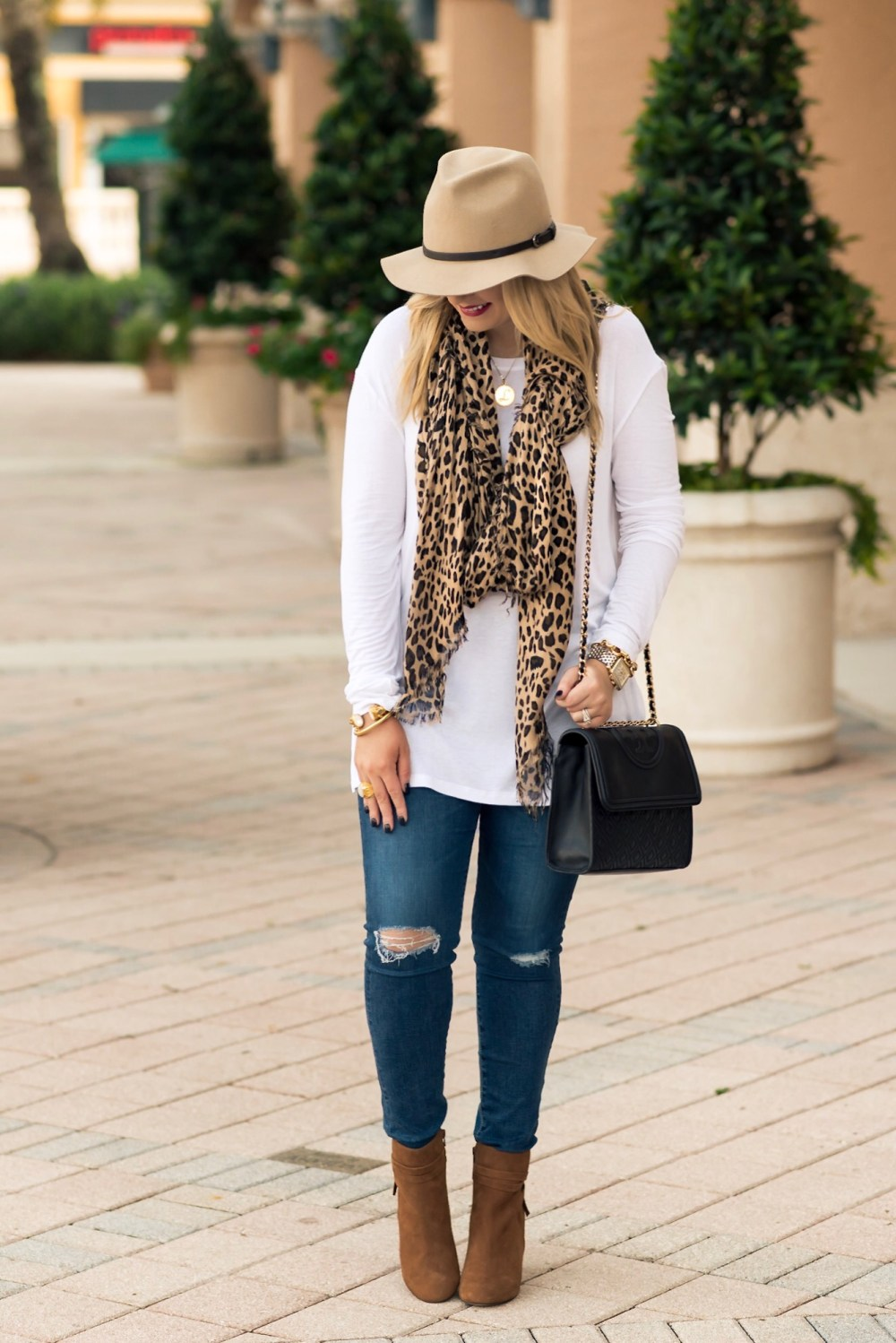 fall-outfit-inspiration-sole-leopard-print-fancy-things