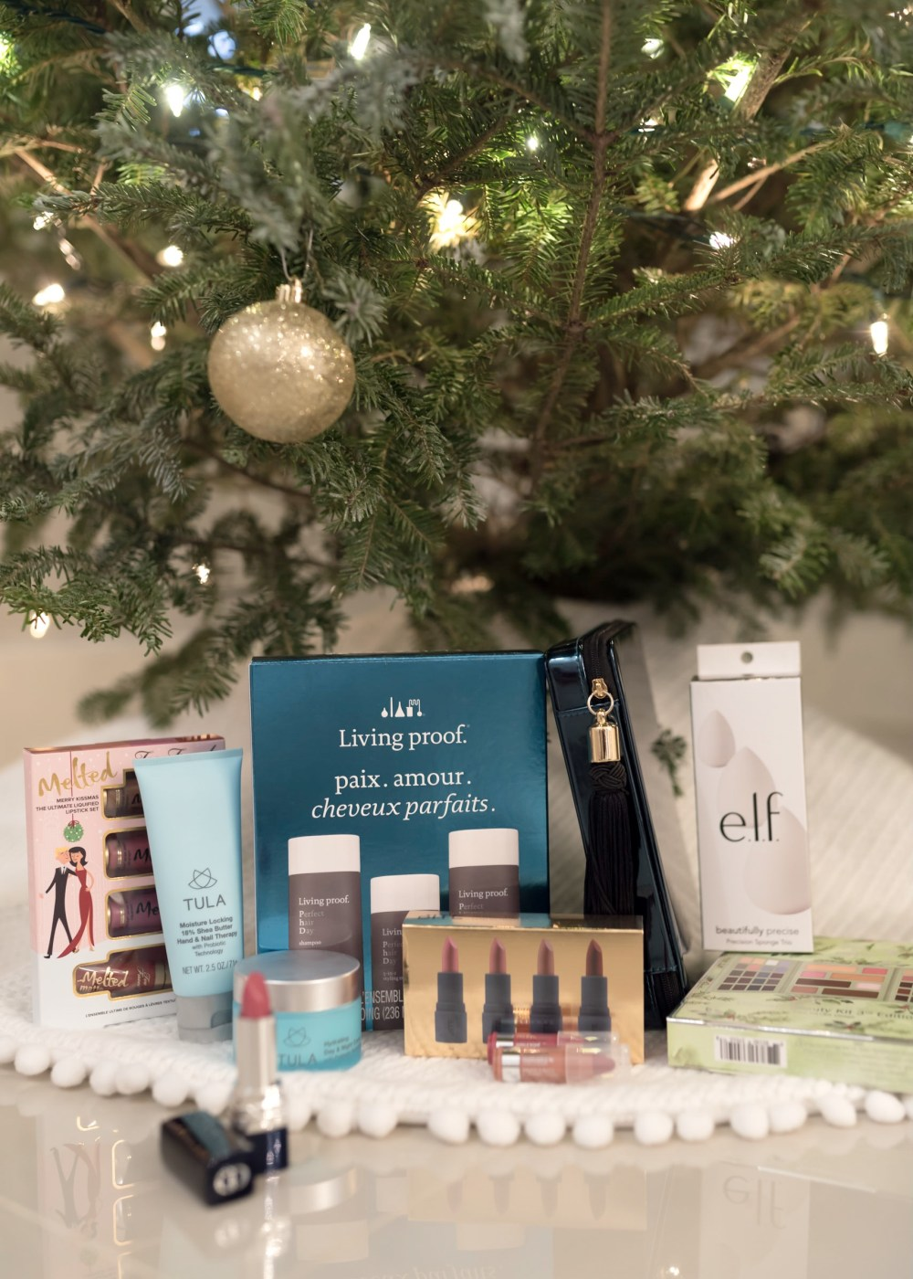 the-best-gift-ideas-for-any-beauty-lover-fancy-things