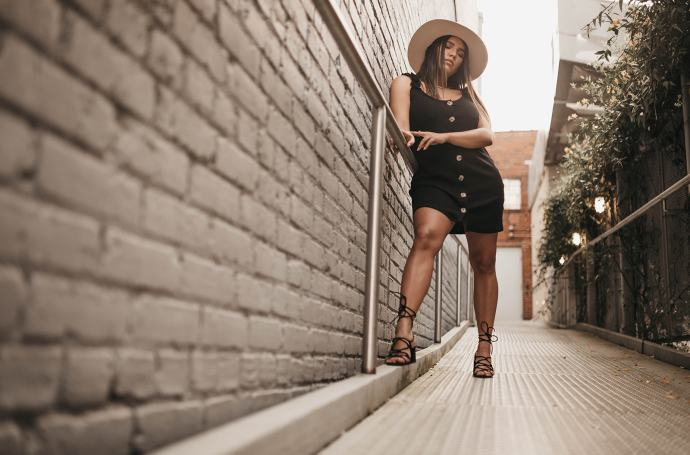 ana Faneite Bella mar black dress the fashion streets