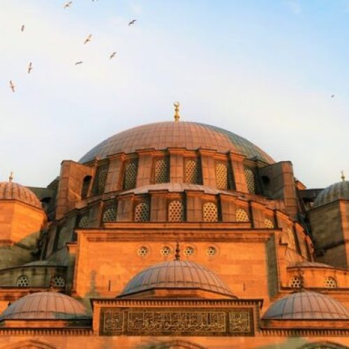 I treated myself to a true Turkish hammam experience in Istanbul to relax; here's what you should expect for your visit and my tips to really enjoy the spa!