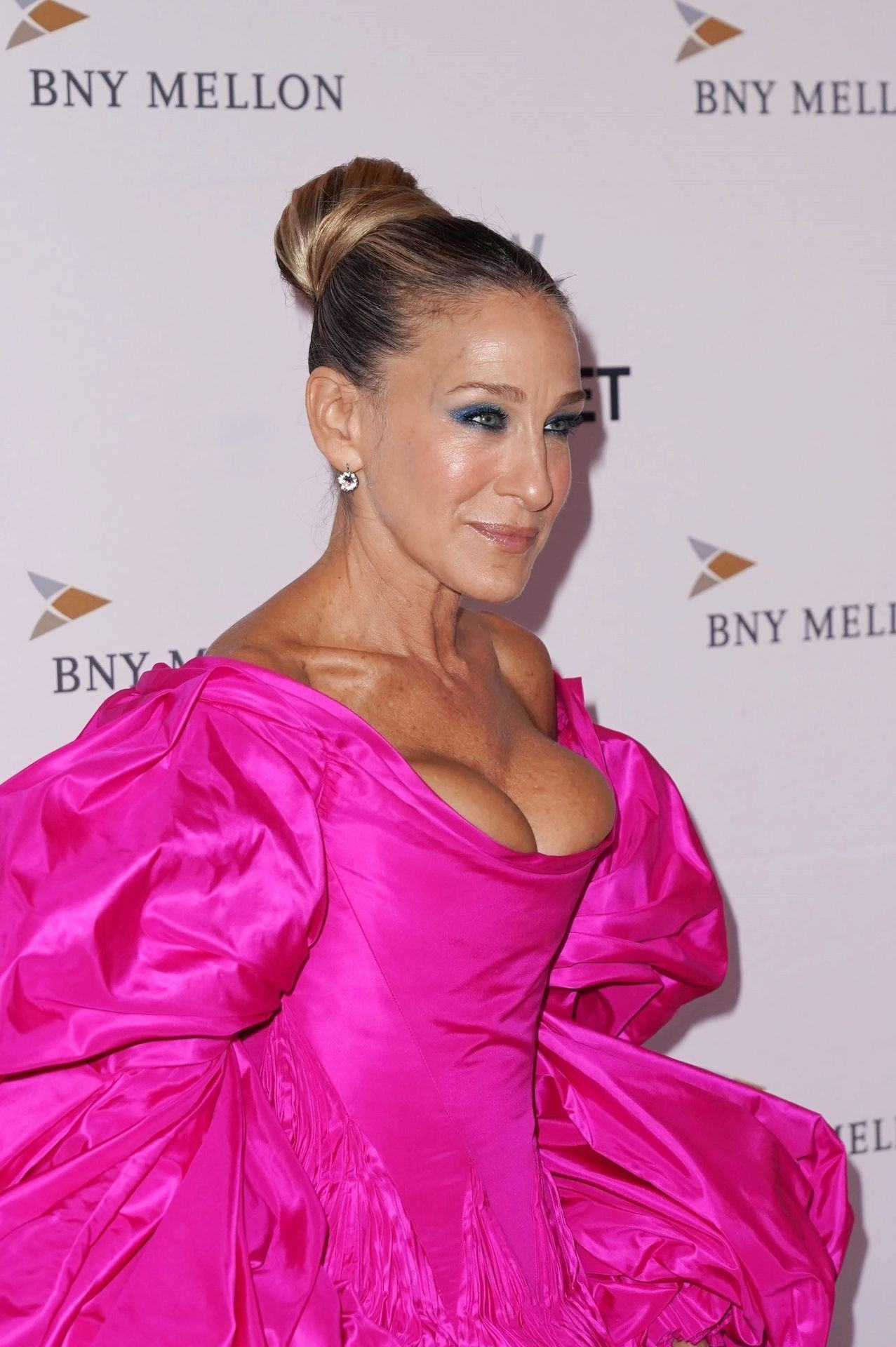 How to keep silver locks looking healthy · why we need to stop. Sarah Jessica Parker Paparazzi Great Cleavage Photos