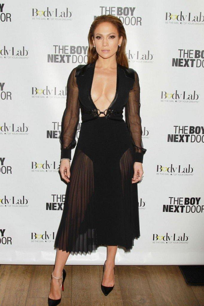 Jennifer Lopez Boobs 006