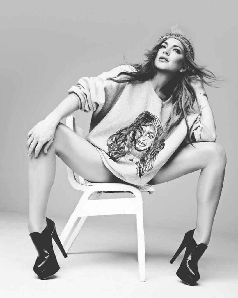 Lindsay Lohan in Lingerie 02