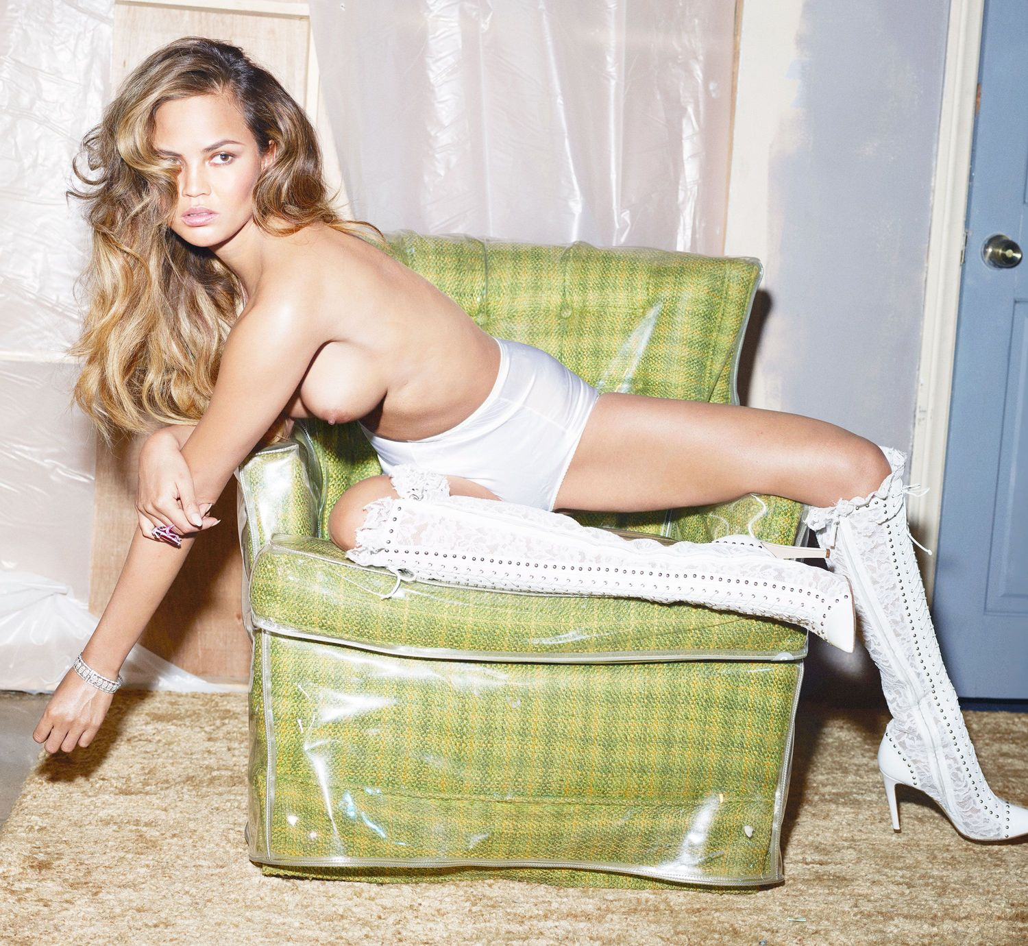 Chrissy_Teigen_-_Mert_Alas___Marcus_Piggott_PS_for_W_Magazine__29.06.2015__01