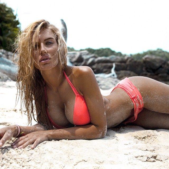 Milana-Yuzhakova-in-Bikini-5