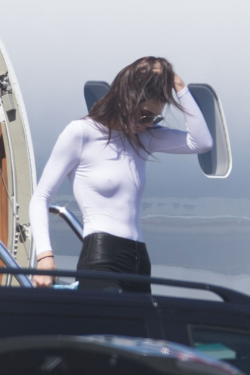 Kendall Jenner Braless 11 Photos  TheFappening