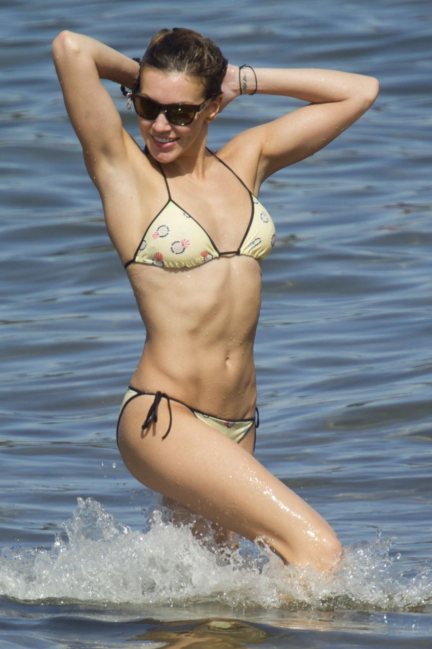 Katie Cassidy in a Bikini (18 Photos)   #TheFappening