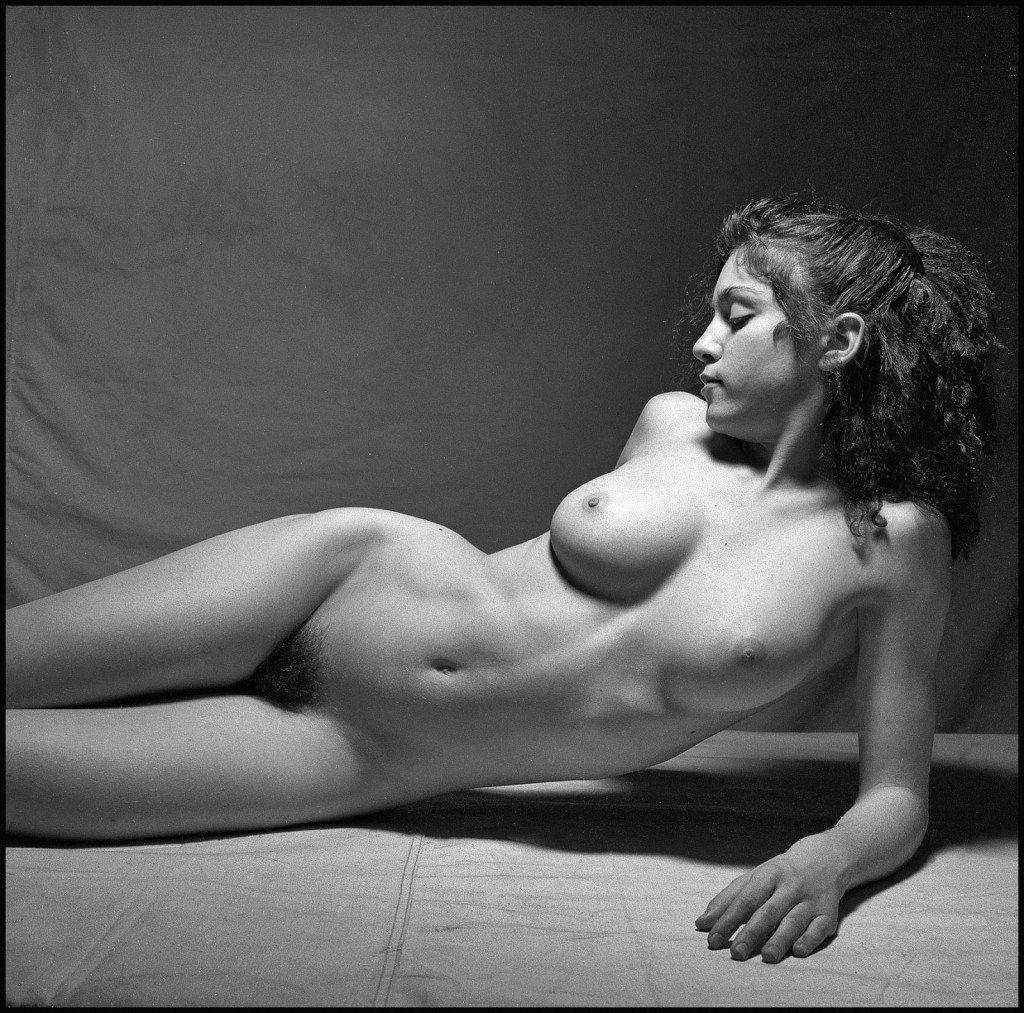 White nackt sarah 19 Sarah