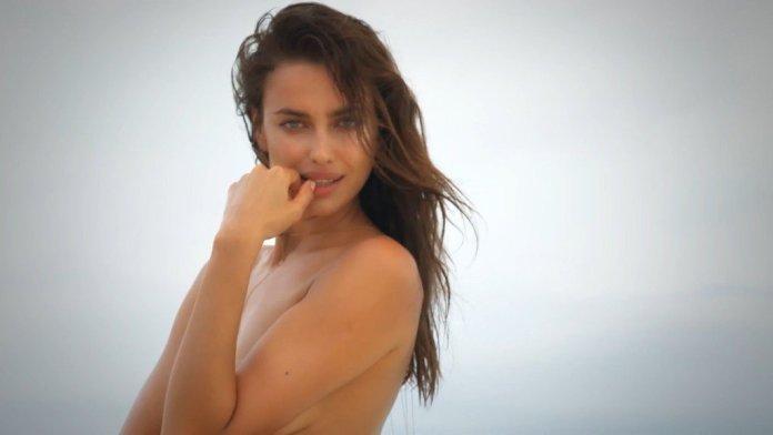 Irina-Shayk-Sexy-Topless-Intimates-37