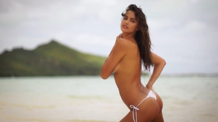 Irina-Shayk-Sexy-Topless-Irresistible-41