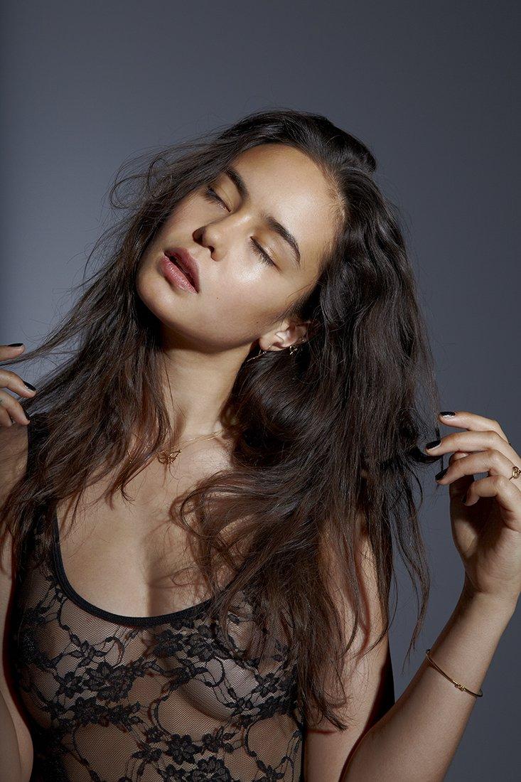 Courtney Eaton Sexy (5 Photos) | HottieStars