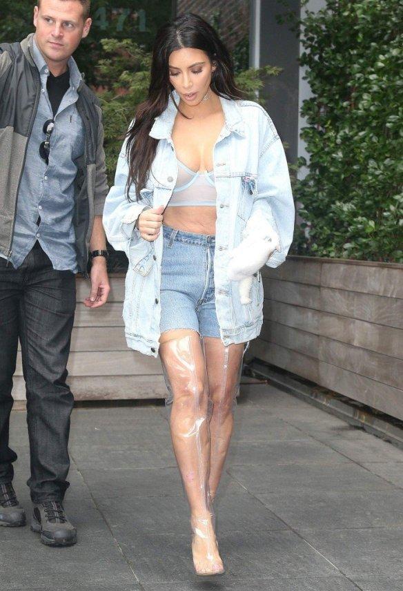 Kim Kardashian Sexy 2