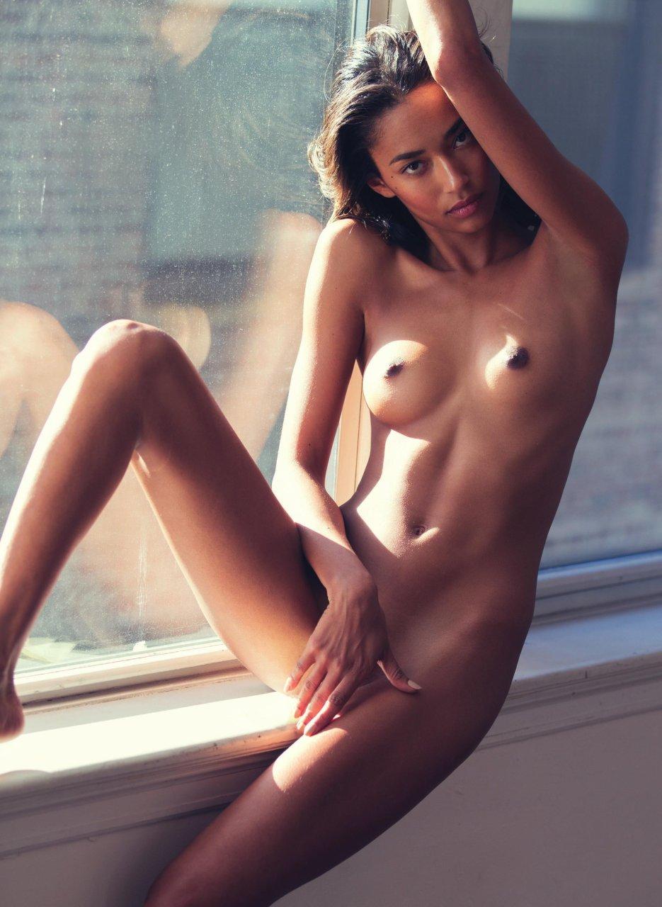 shakira naked tumblr