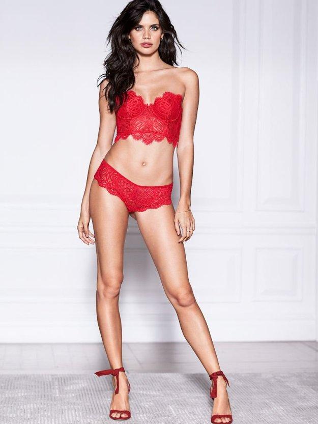 Sara Sampaio Sexy 13