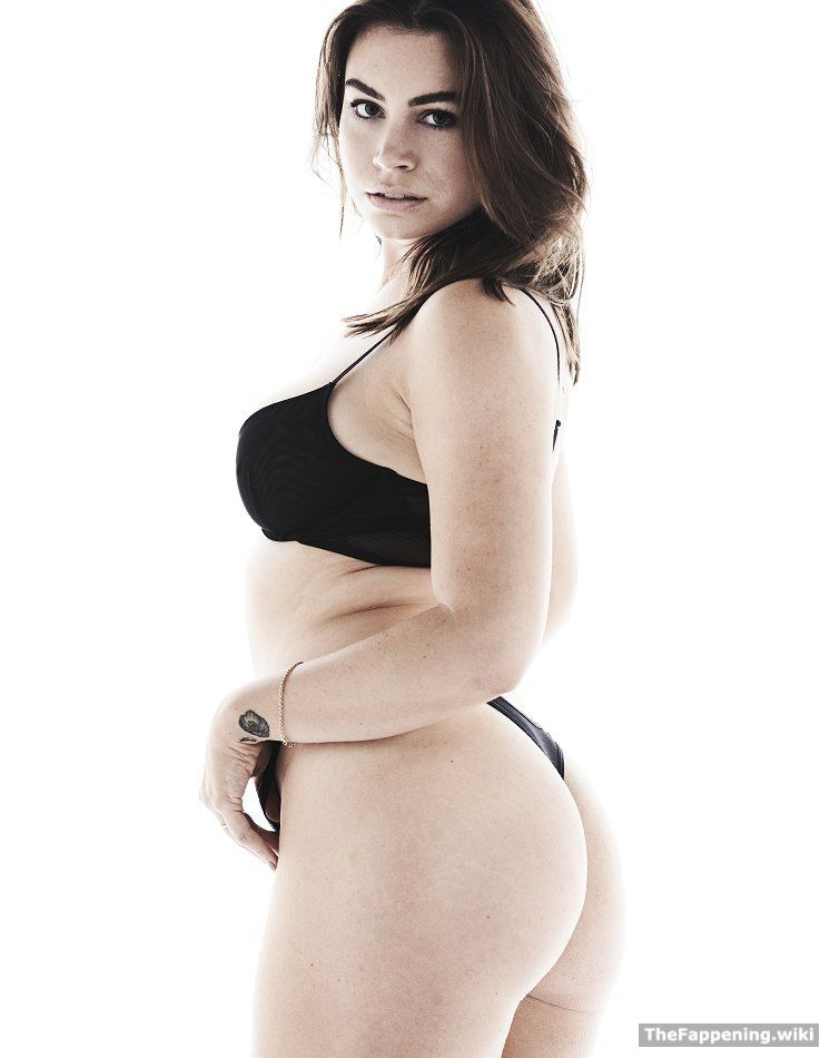 49 Hot Sophie Simmons Photos Prove She's the Sexiest Woman