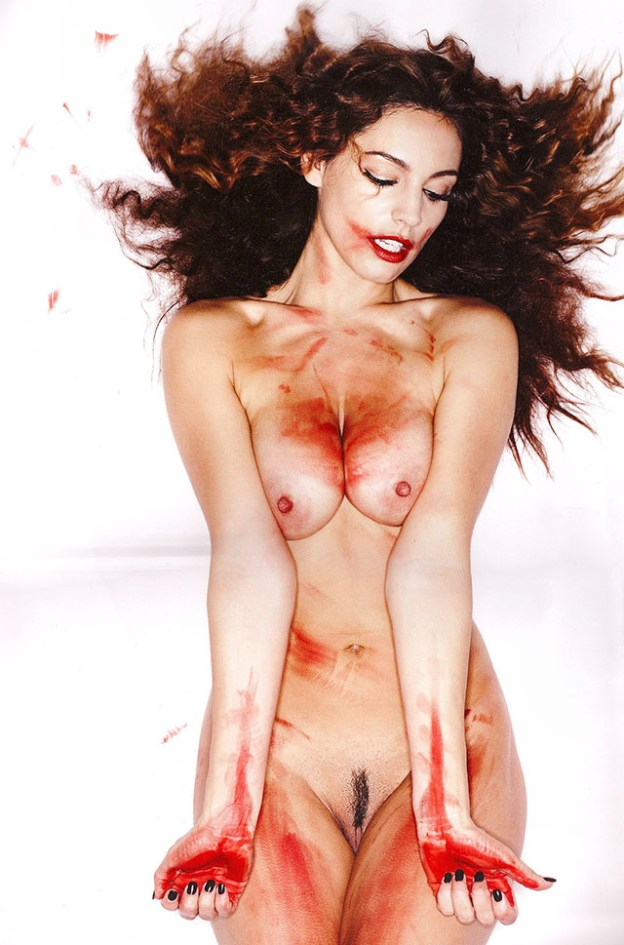 Kelly Brook Nude Pussy and Menstrual Blood Photo Shoot The Fappening
