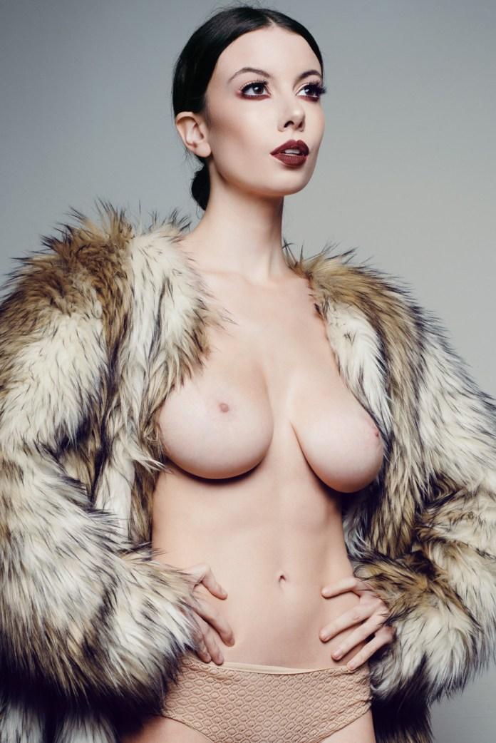 Olivia-Rose-Topless-4