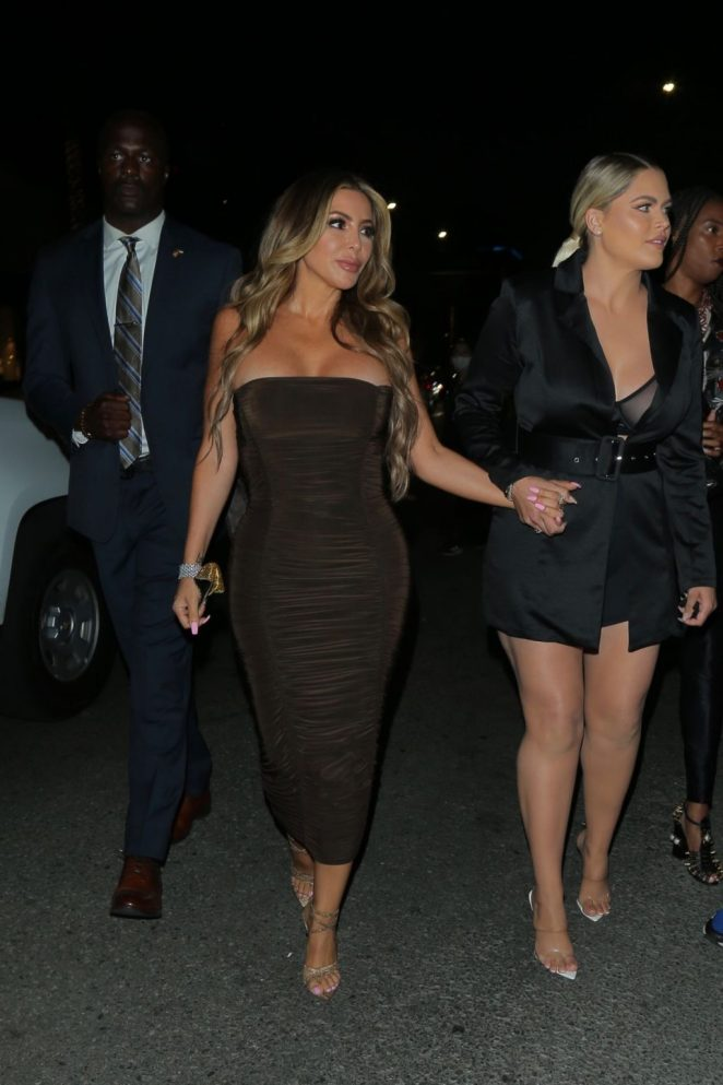 Larsa Pippen Cleavage 3