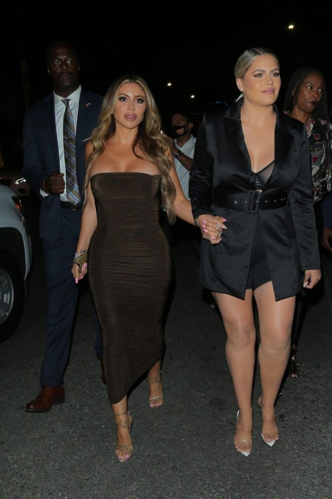 Larsa Pippen Cleavage 2