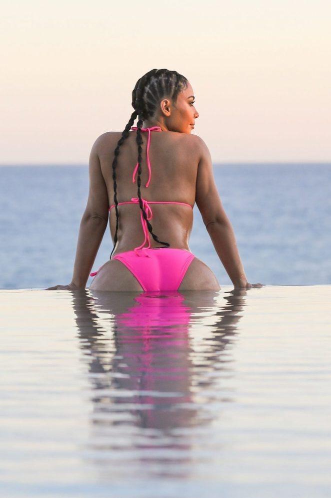 Kim Kardashian Bikini 5