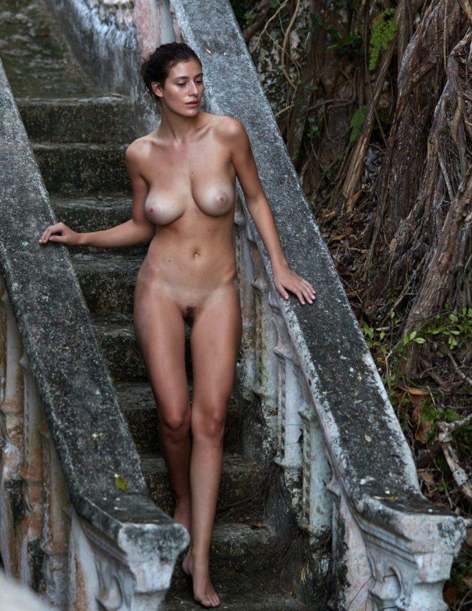 Alejandra Guilmant Naked 3