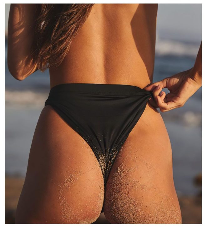 Cassie Amato Topless 4