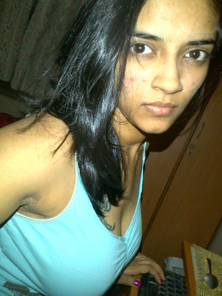 Vasundhara Kashyap Naked (30 Photos)