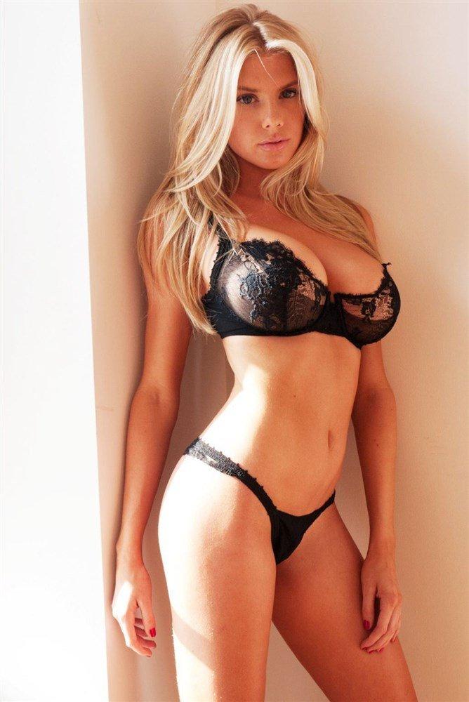 Charlotte McKinney Topless (21 Photos)