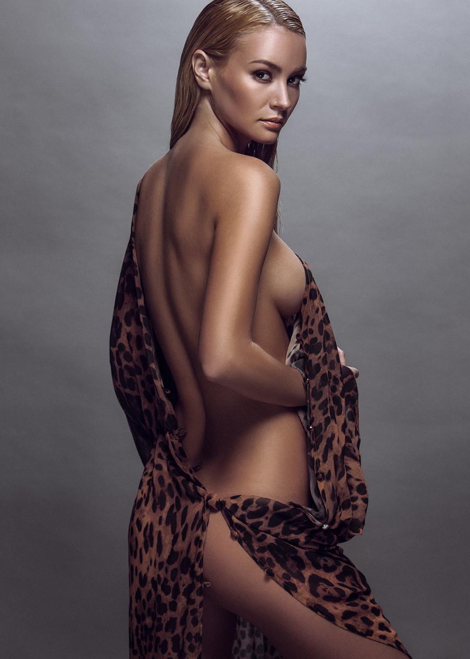 Bryana Holly Naked (9 Photos)