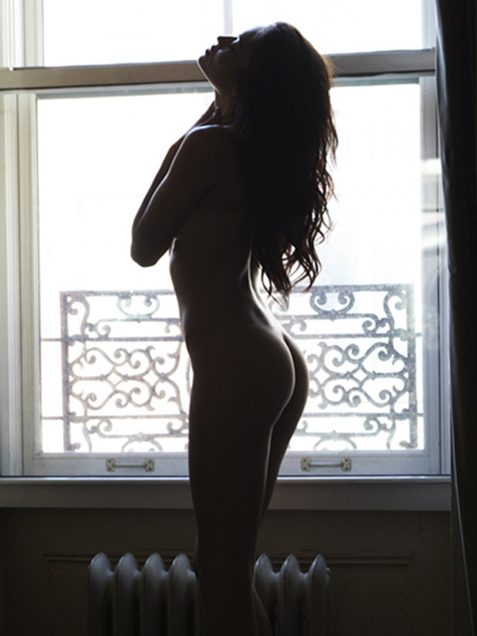 Shanina Shaik Naked (5 Photos)