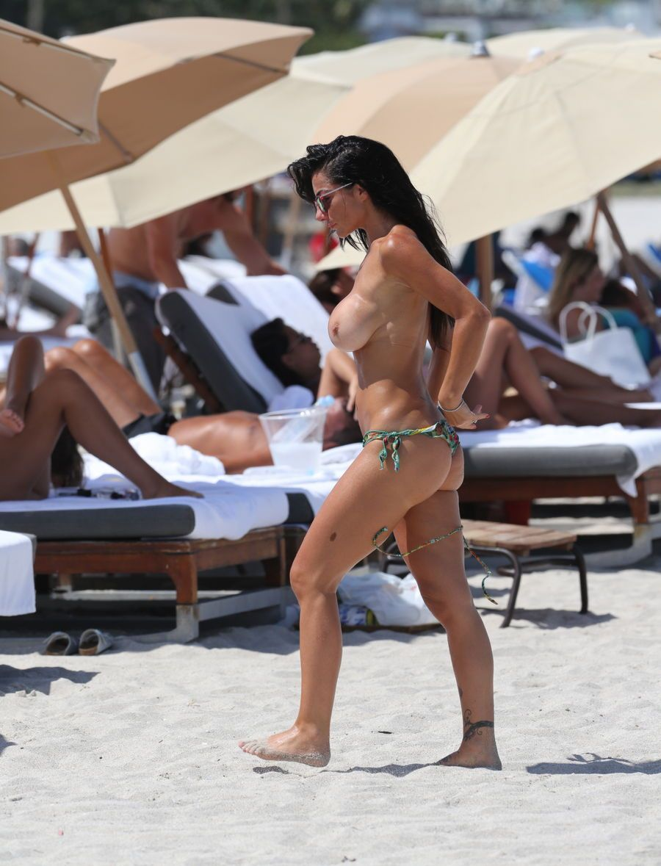 Priscilla Salerno Topless (9 Photos)