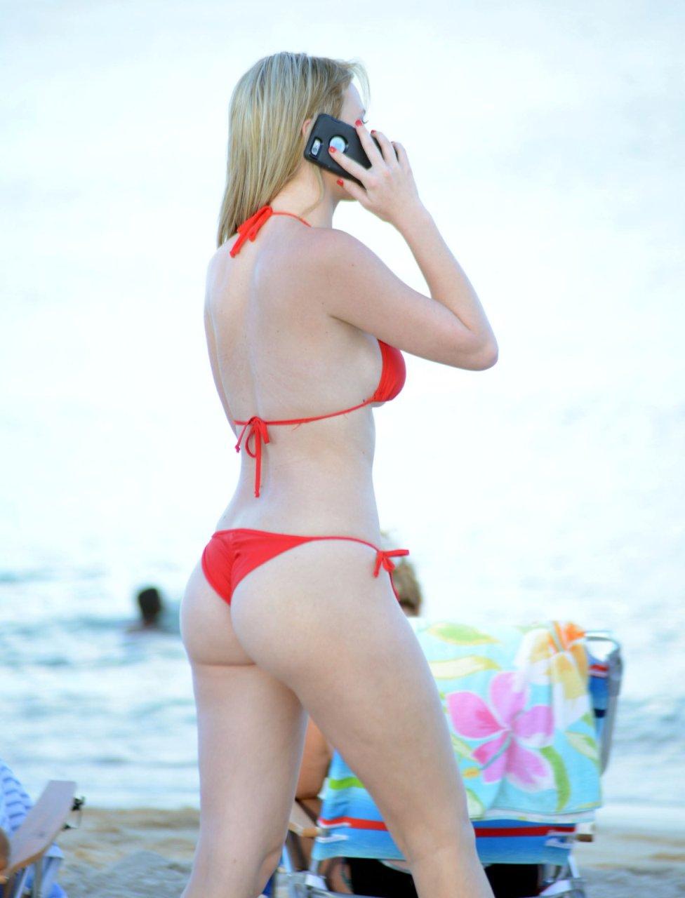 Rachel Sanders in a Bikini (14 Photos)
