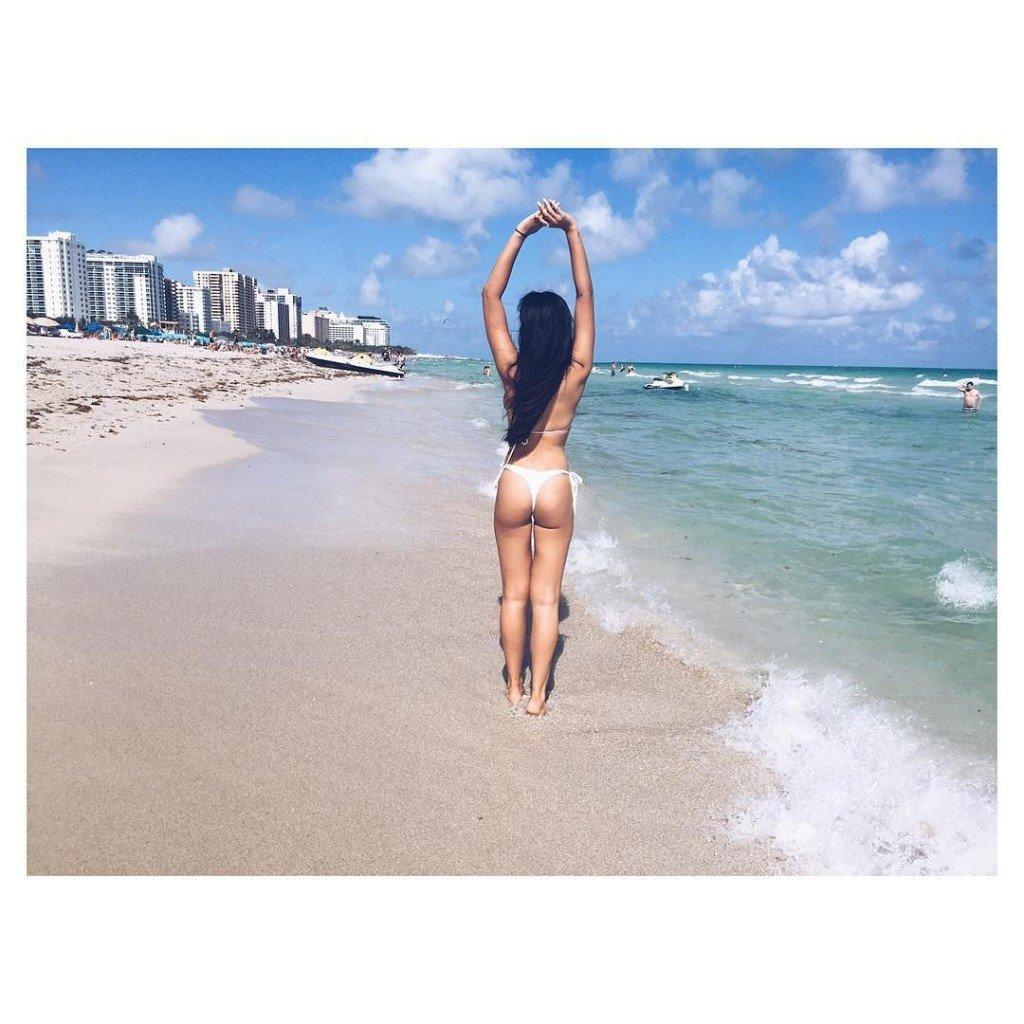 Jackie Cruz in a Bikini (12 Photos)
