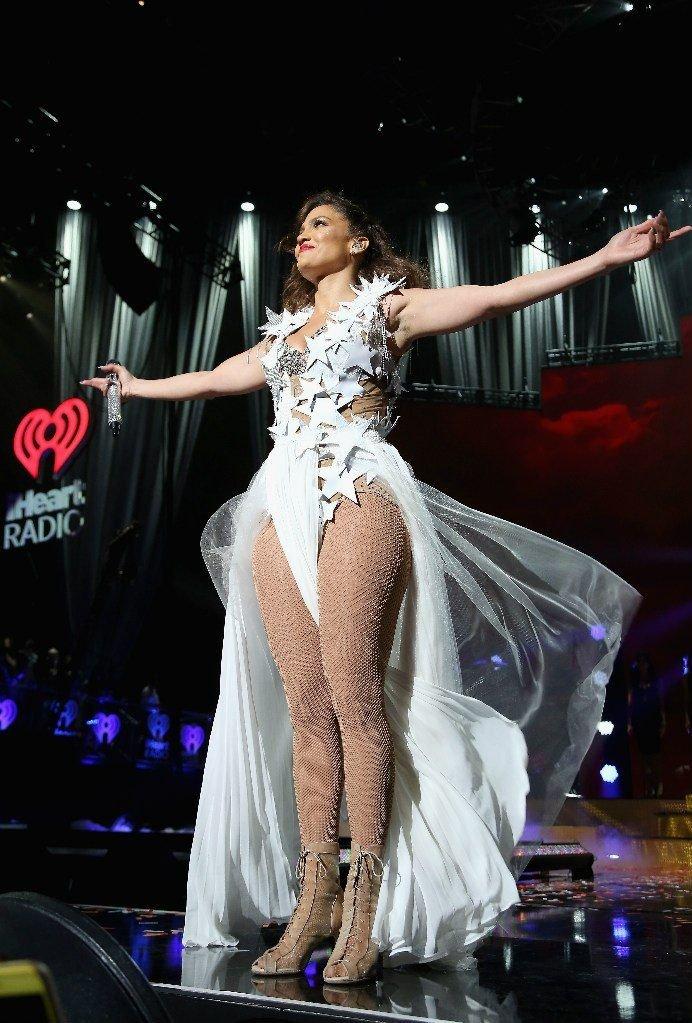 Jennifer Lopez Sexy (76 Photos)