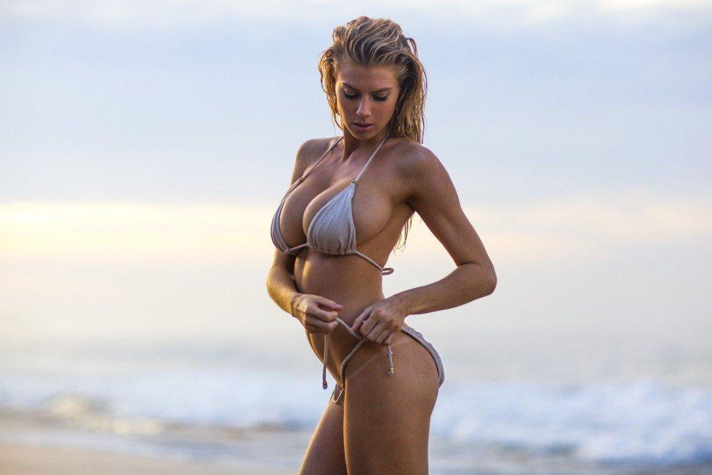 Charlotte McKinney See Through & Sexy (3 Photos)