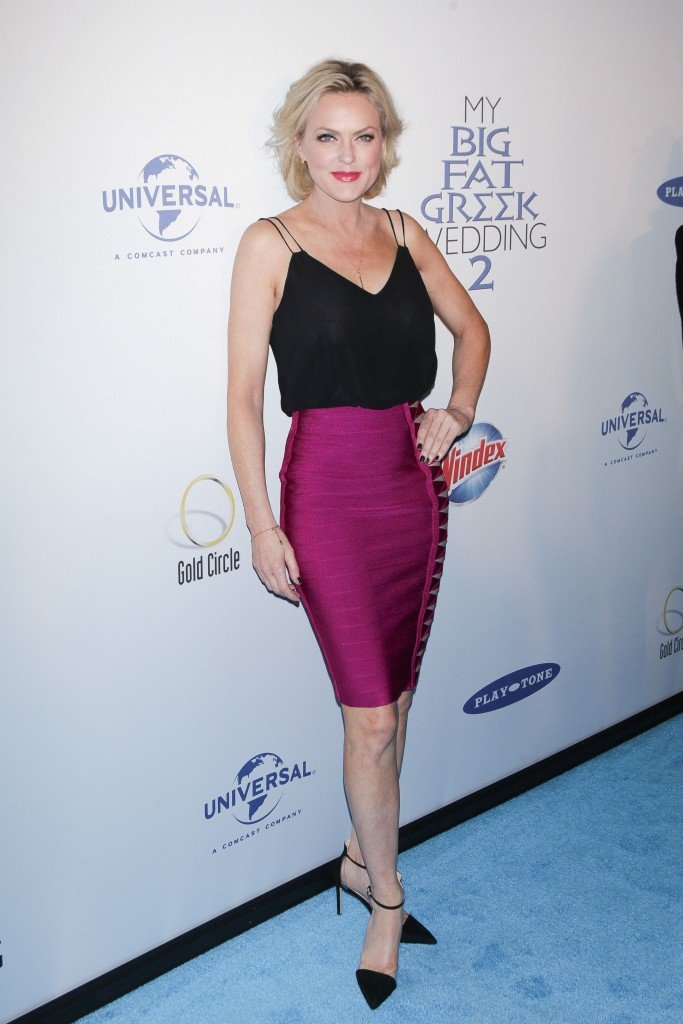 Elaine Hendrix See Through (5 Photos)