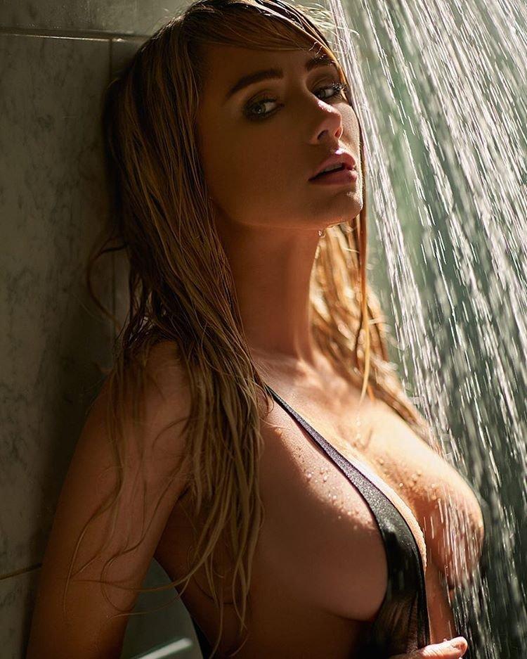 Sara Jean Underwood Sexy (5 Photos)