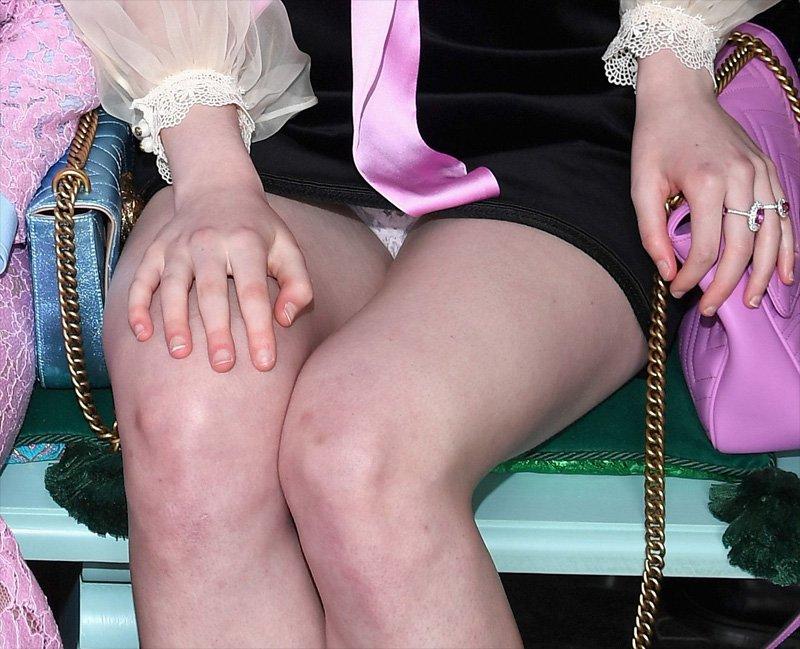 Elle Fanning Upskirt (2 Photos)