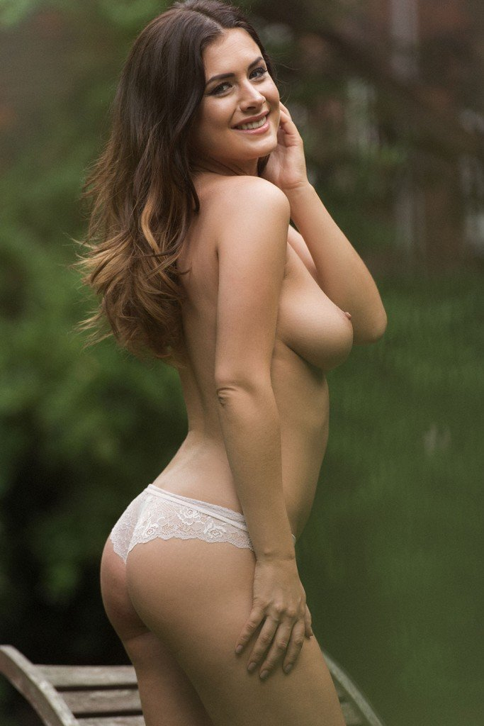 Kelly Hall Sexy and Topless (4 Hot Photos – Page 3)