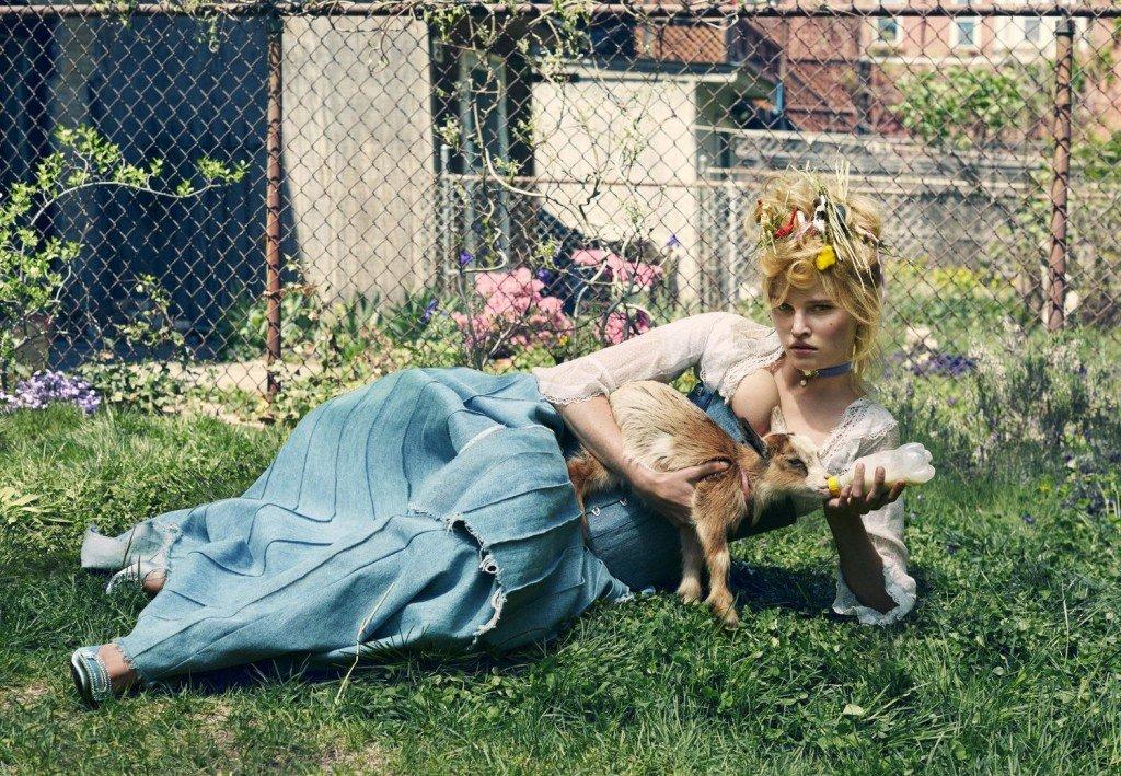 Lara Stone Nude & Sexy (10 Photos)