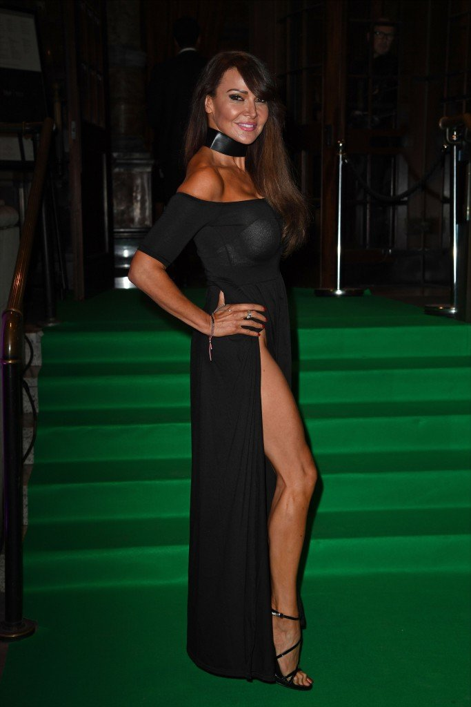 Lizzie Cundy Without Panties (24 Photos)