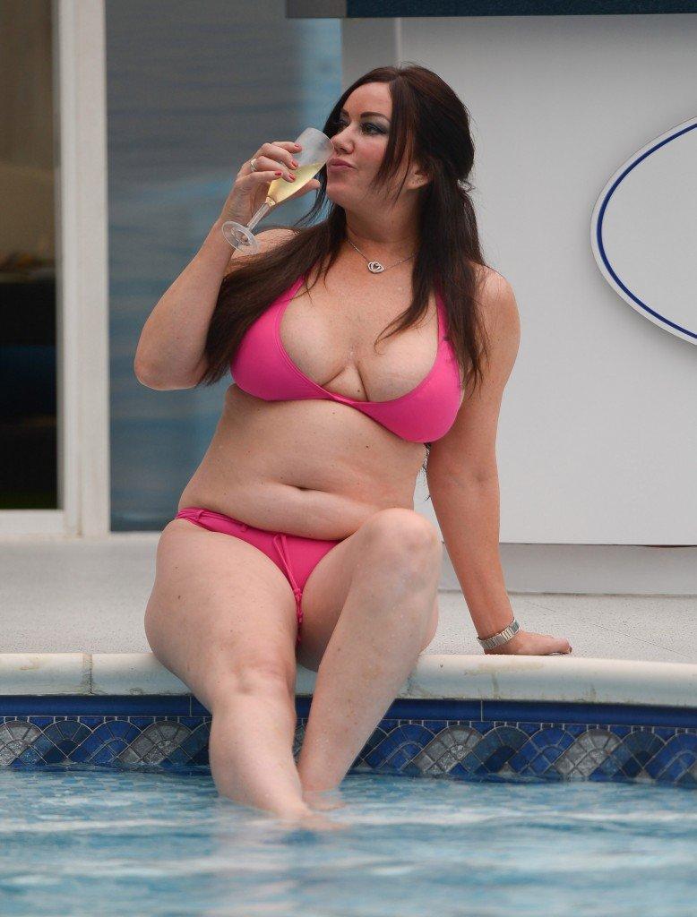 Lisa Appleton Sexy (12 Photos)