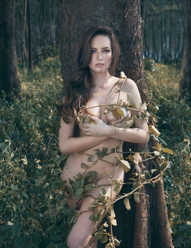 Ellen Adarna Nude & Sexy (17 Photos)
