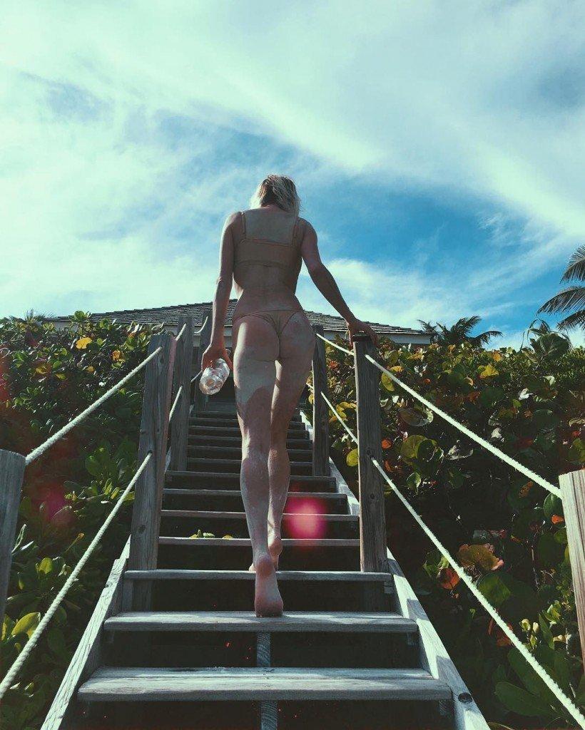 Caroline Vreeland Sexy (19 Photos)