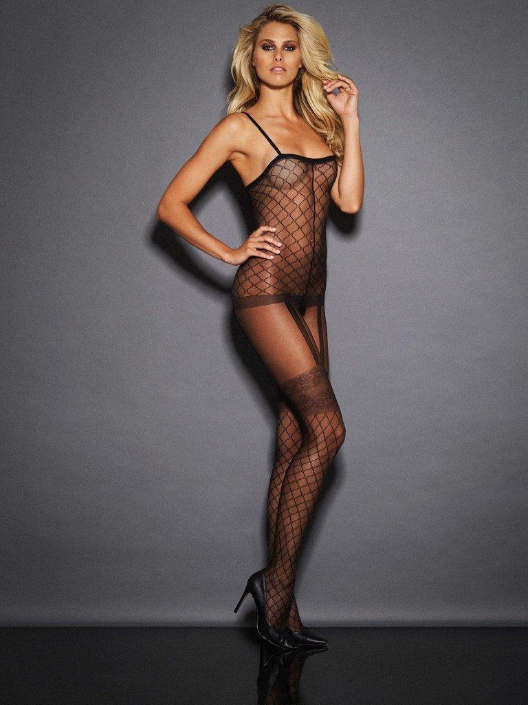 Natalie Jayne Roser Sexy (15 Photos)