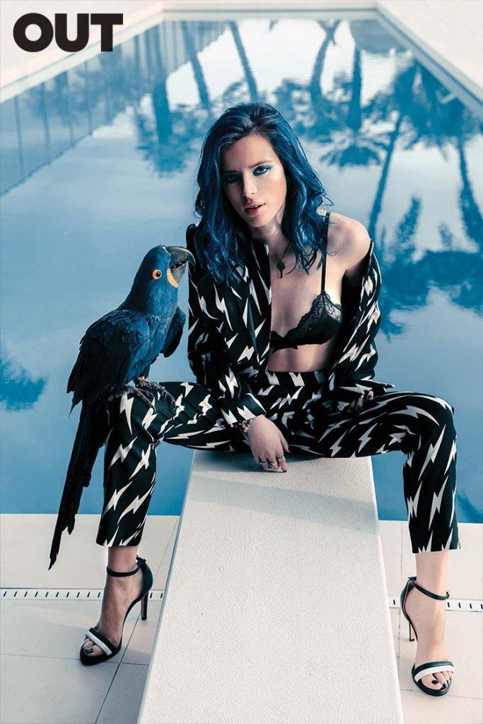 Bella Thorne (5 Sexy Photos)