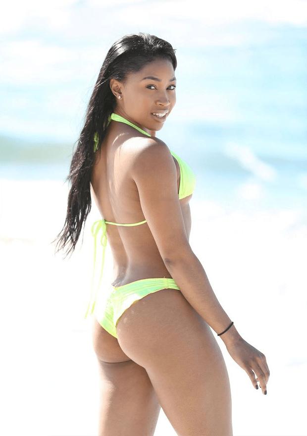 Ariane Andrew Sexy (5 Photos)