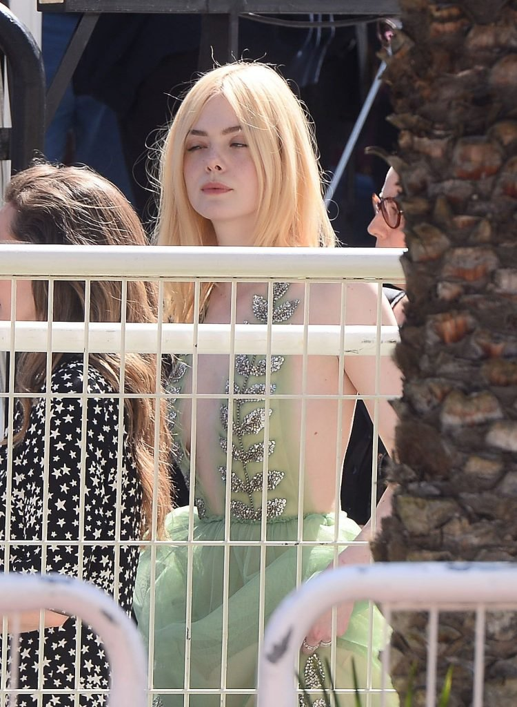 Elle Fanning Sexy (74 Photos + Video)